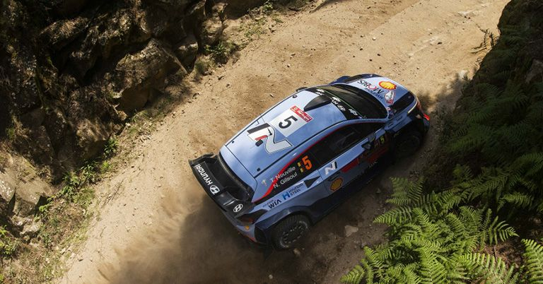 PORTUGAL: NEUVILLE TAKES CONTROL