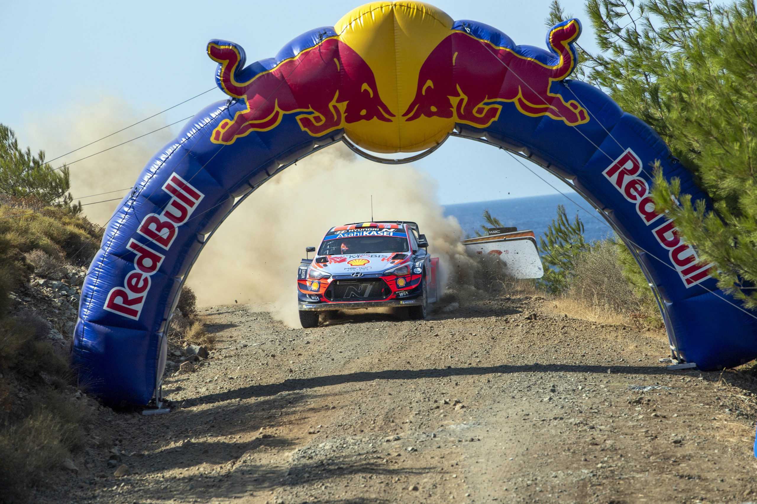 Thierry Neuville Takes Control After Dramatic Day At Rally Turkey